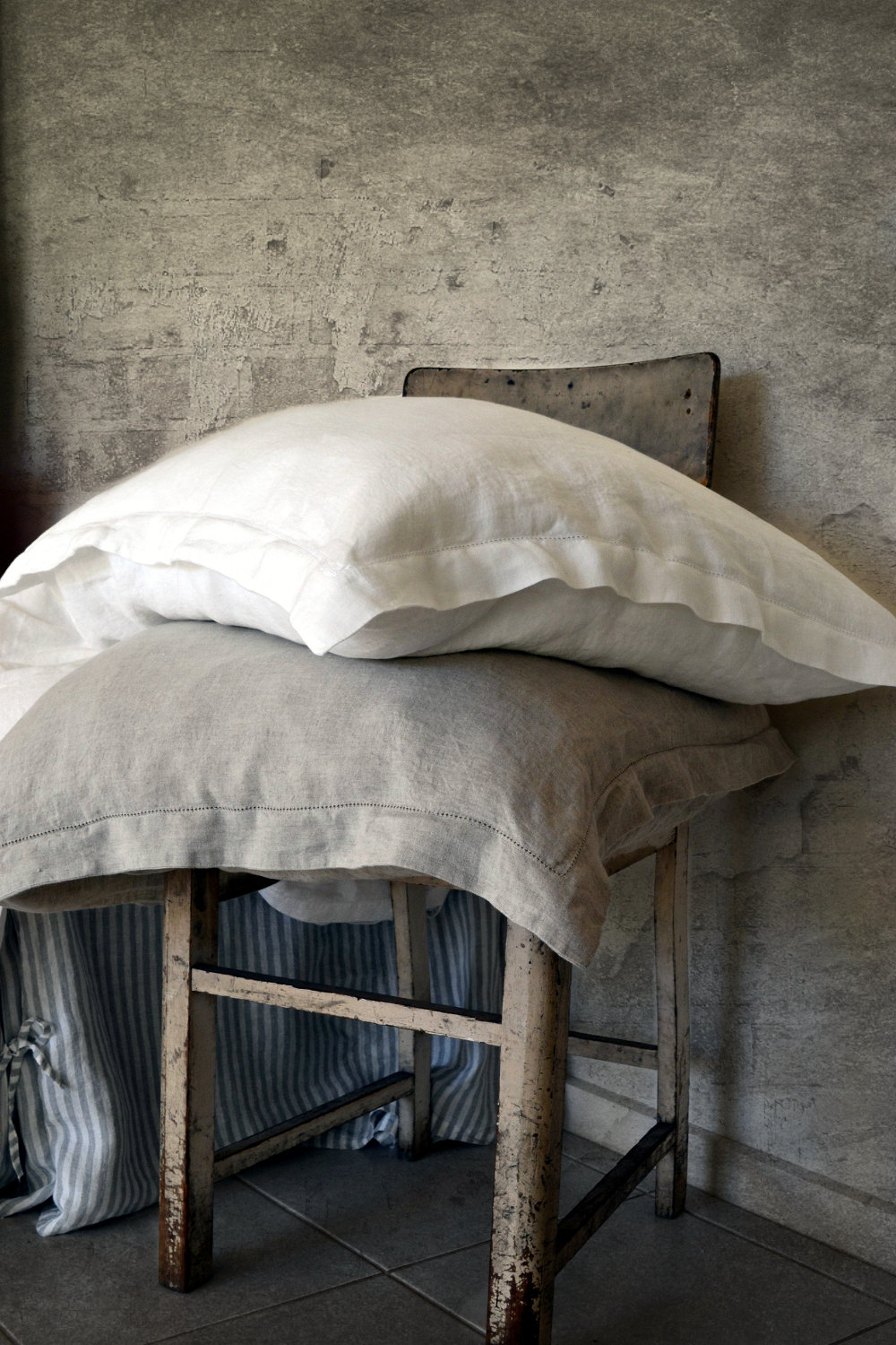hemstitched-linen-pillowcases.jpg